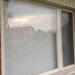 Solar Kaihtimen -sääskiverkkojen asennus Eskopuun ikkunoihin